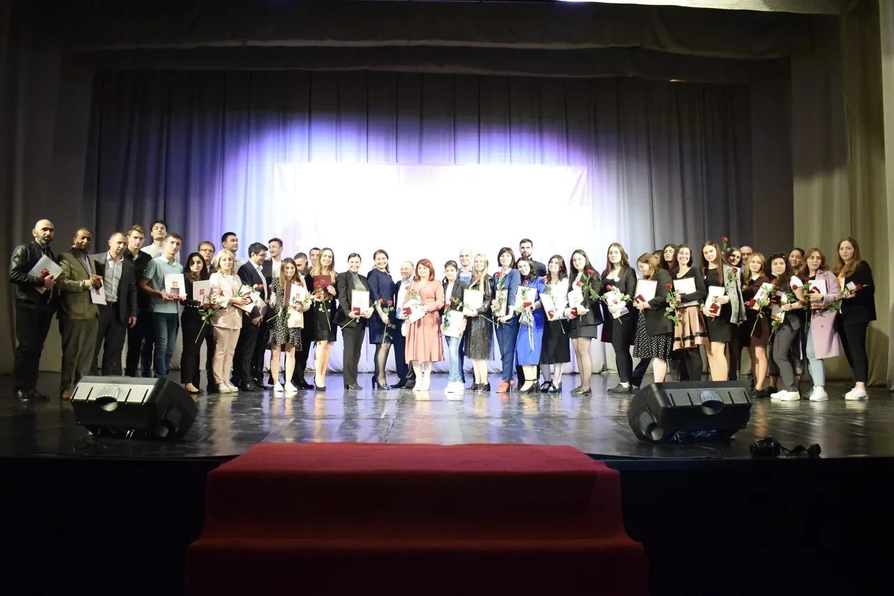 Волонтеры из Северной Осетии получили награды в рамках акции #МыВместе