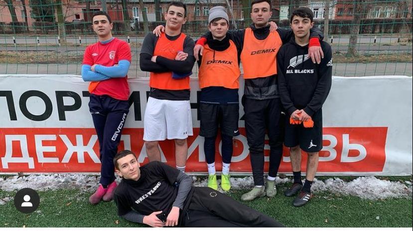 Футбол и благотворительность неотделимы