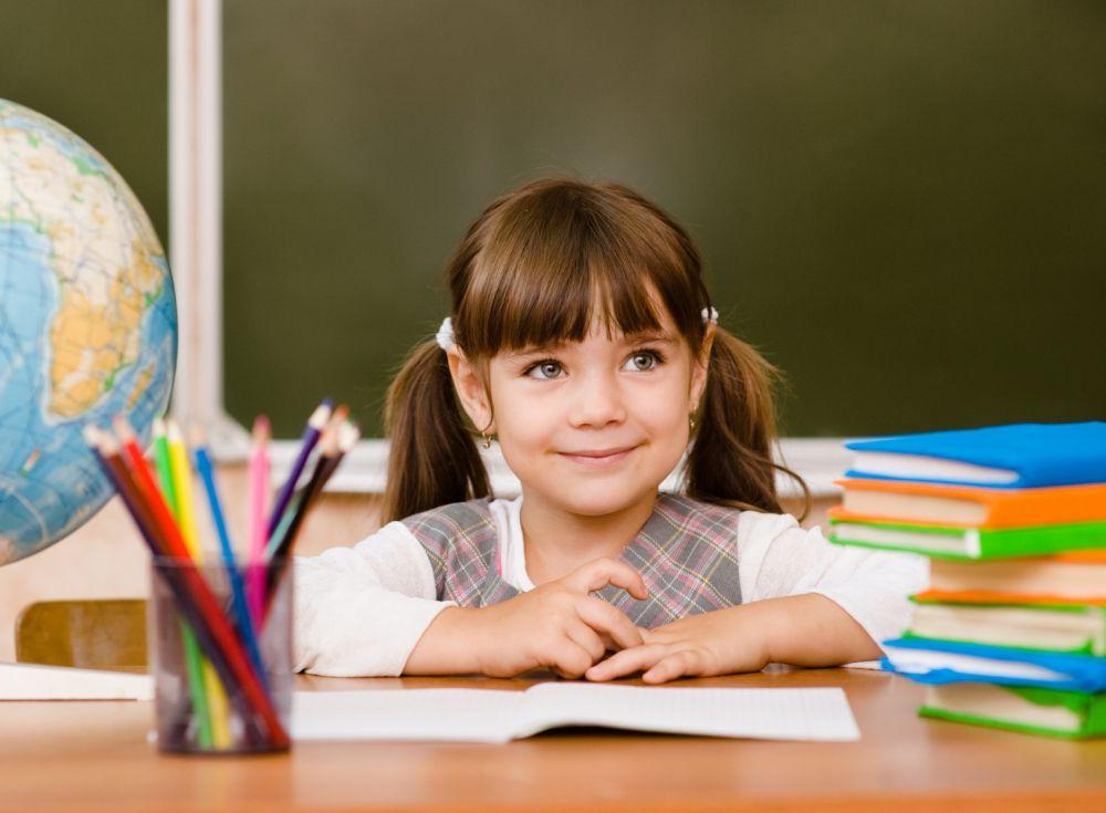 Более двух тысяч детей Северной Осетии обеспечат канцтоварами к началу учебного года