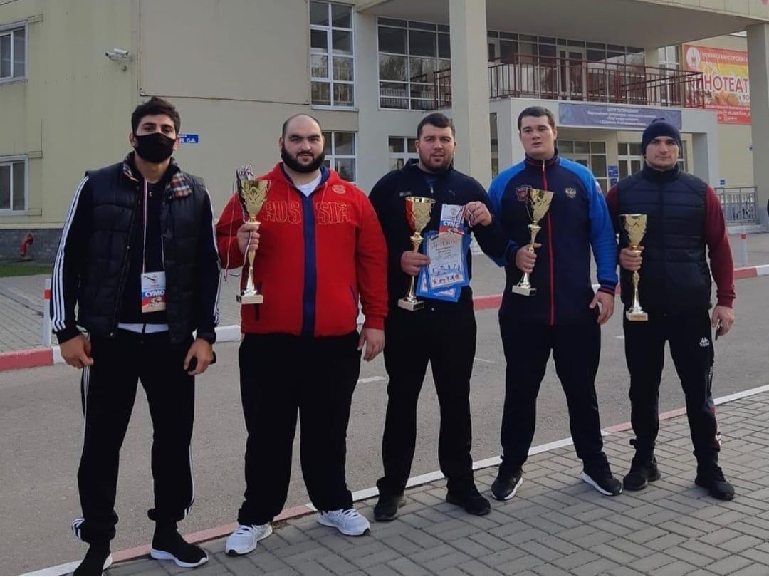 Сумоисты из Осетии завоевали 7 медалей во Всероссийском соревновании