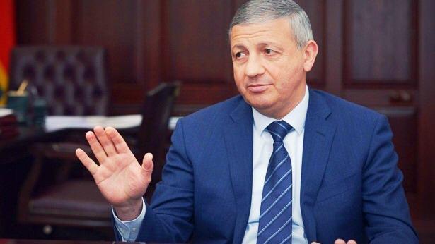 Вячеслав Битаров поздравил работников социальной сферы с профессиональным праздником