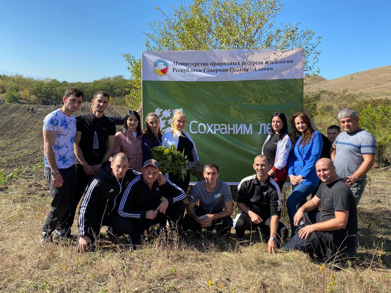 Сотрудники УФСИН приняли участие в акции «Сохраним лес»