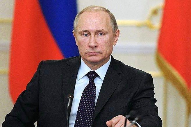 Президент России предложил обложить налогом банковские вклады размером более миллиона рублей