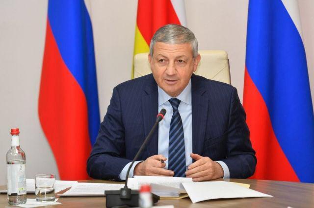 Вячеслав Битаров признался, что лично читает свой Instagram и пересылает обращения жителей профильным министрам