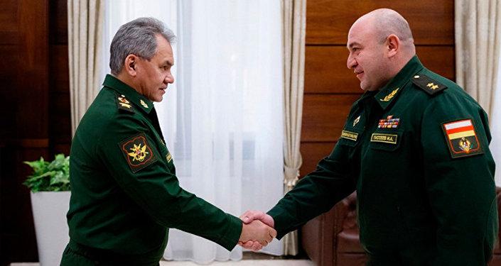Сергей Шойгу пригласил министра обороны Южной Осетии Ибрагима Гассеева на Армейские международные игры