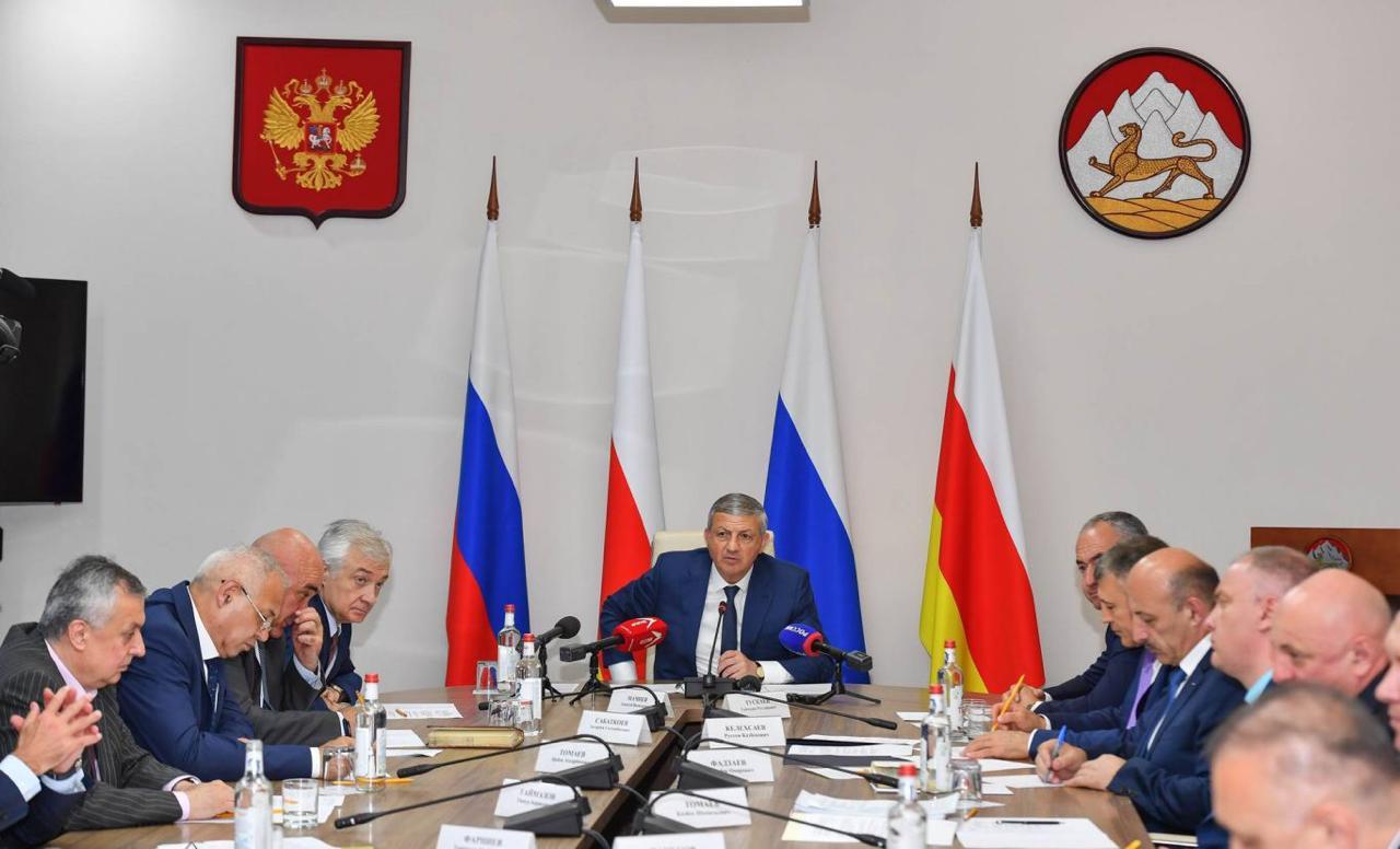 Битаров не исключает кадровых перестановок по итогам работы правительства в период коронавирусной пандемии