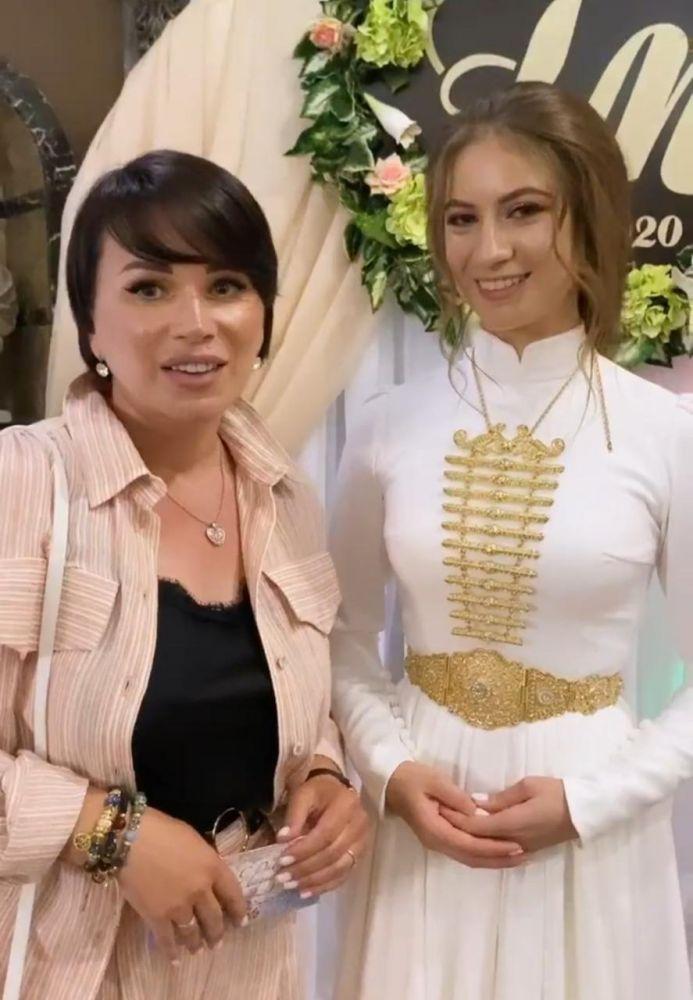 Популярный тревел-блогер Арина Шумакова побывала на традиционной свадьбе и восхитилась осетинскими невестами