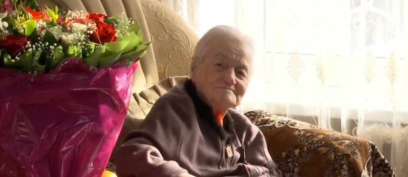 Ветерана ВОВ Венеру Ходову наградили на 100-летний юбилей медалью «За ратную доблесть»