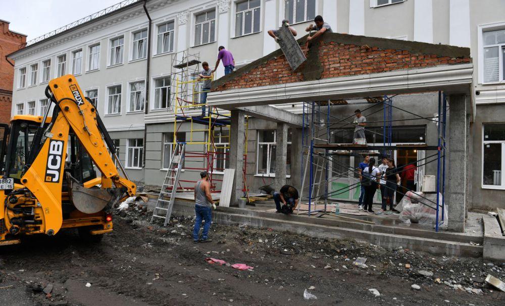Более 130-ти школ Северной Осетии,  из имеющихся 186-ти, нуждаются в капитальном ремонте