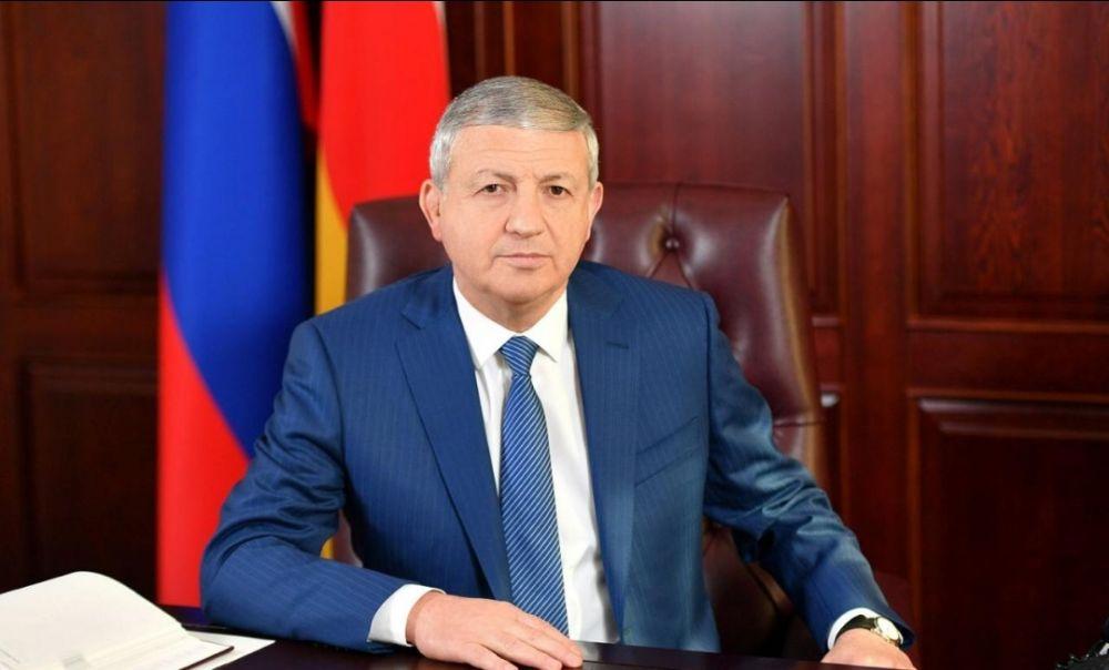 Вячеслав Битаров поздравил жителей республики с Днем народного единства