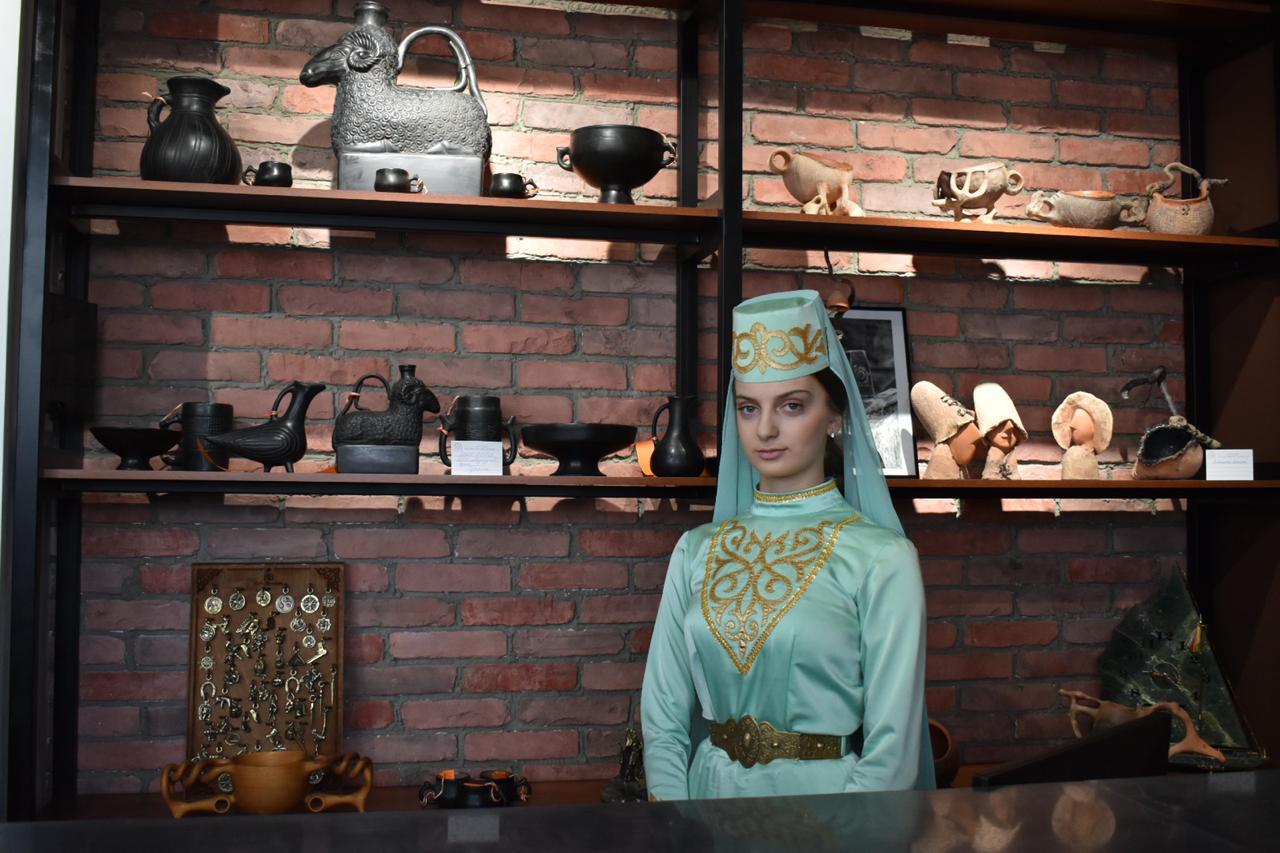 Уникальные работы ремесленников представили на открытии центра народных художественных промыслов во Владикавказе