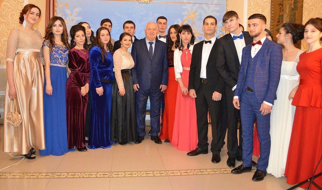 Ректор ГГАУ Виктор Темираев поздравил студентов республики с Татьяниным днем
