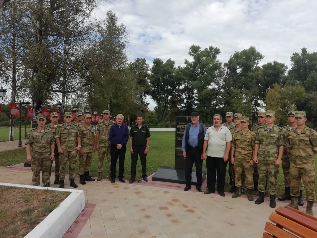 Военнослужащие Росгвардии во Владикавказе почтили память погибших в годы ВОВ