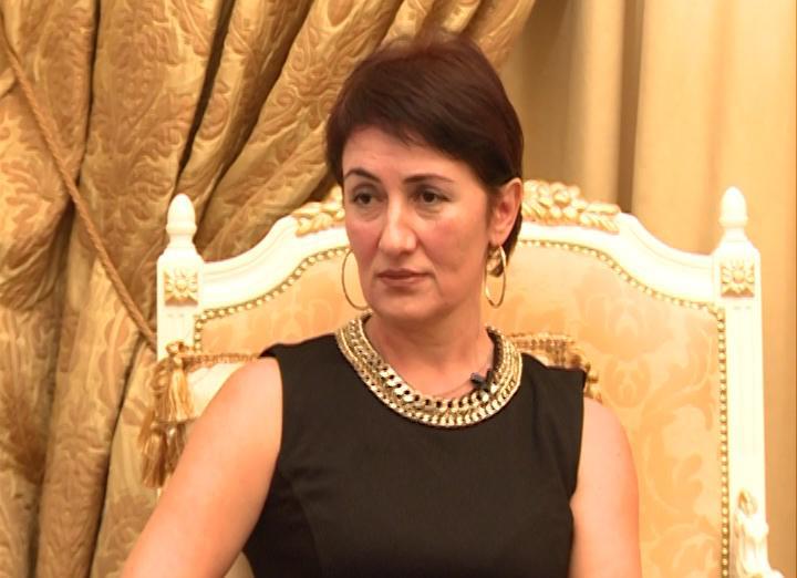 Народная артистка Северной Осетии Залина Дзахоева получила «Изумрудный микрофон» на международном фестивале в Южной Осетии