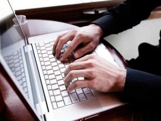 Госдуме предложат предложат приравнять популярных блогеров к СМИ