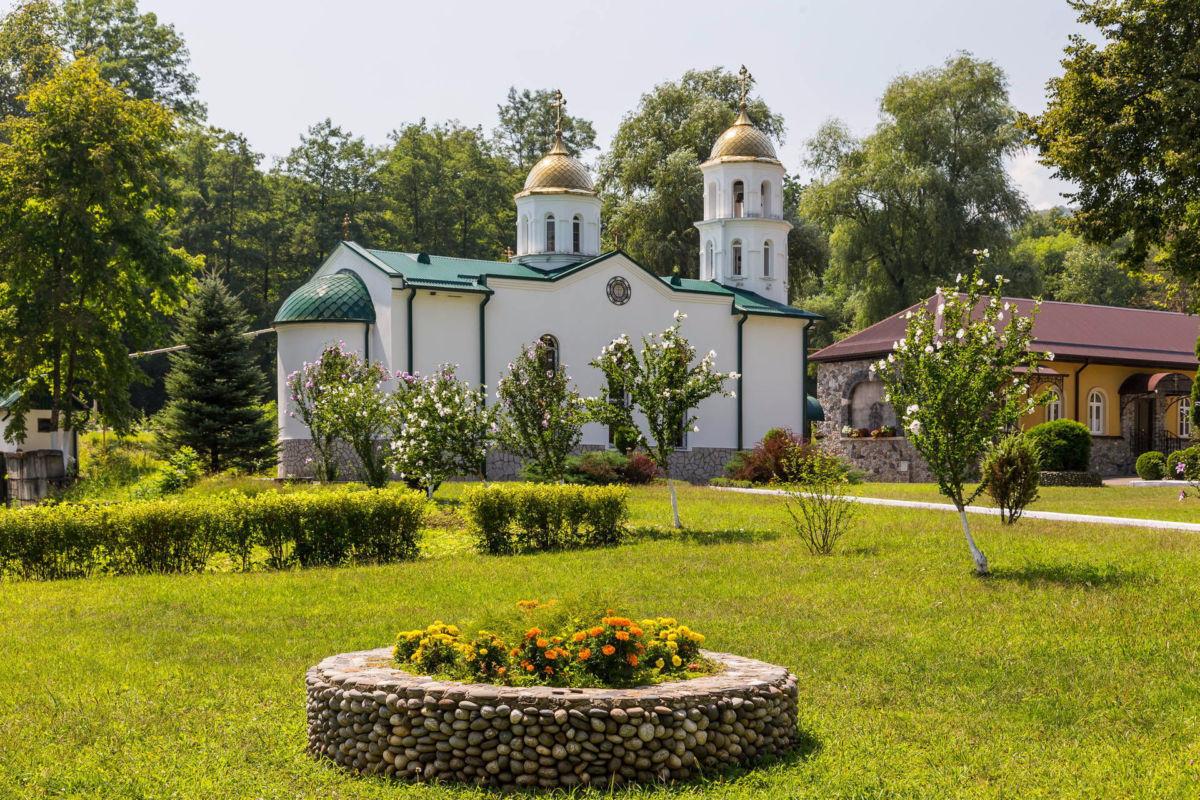 Северной Осетии в ближайшее время будут переданы иконы Иоанна Крестителя и архангелов Михаила