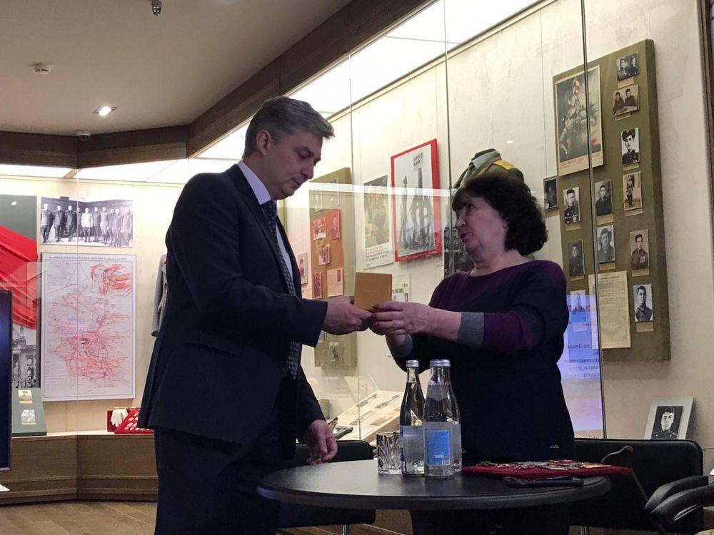 Боевые награды Чабахан и Тазрета Басиевых пополнили фонды национального музея Осетии