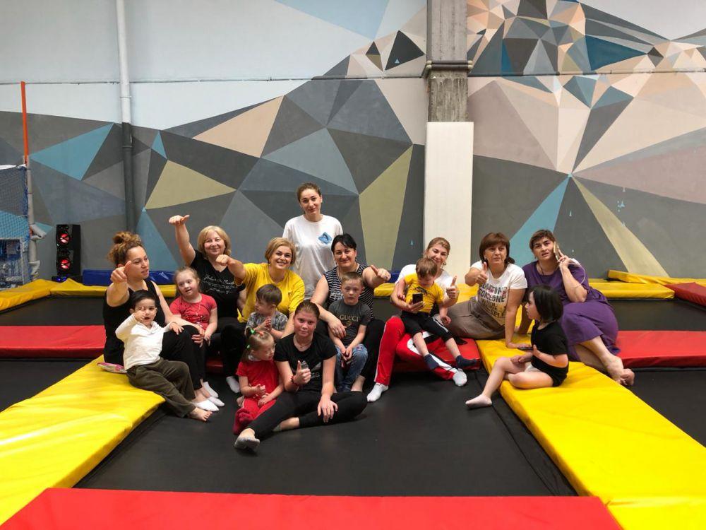 Для особенных детей Северной Осетии провели «Спортивную субботу» в батутном центре