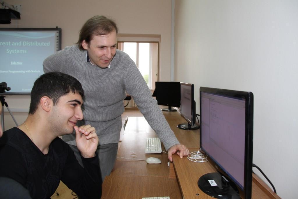 Преподаватель ведущего вуза Японии читает курс лекций IT-студентам СОГУ