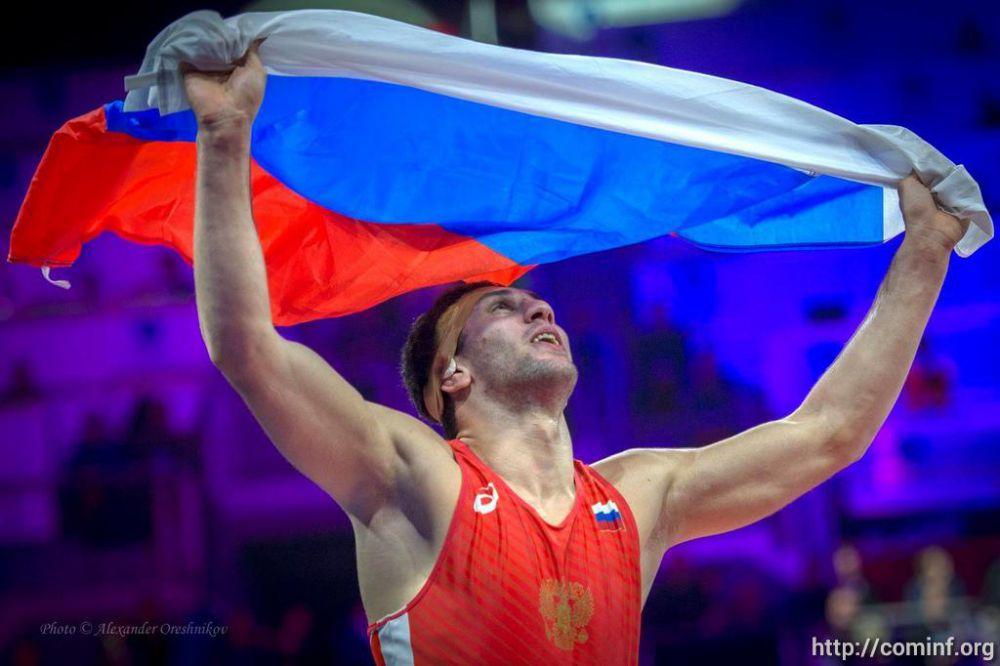 Владимир Путин поздравил осетинского борца с победой на ЧМ-2018