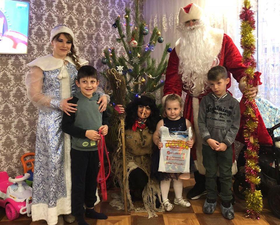 Росгвардейцы в канун Нового Года поздравили детей
