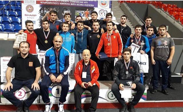 Сборная Северной Осетии по вольной борьбе заняла первое место на Всероссийских соревнованиях памяти Бесика Кудухова