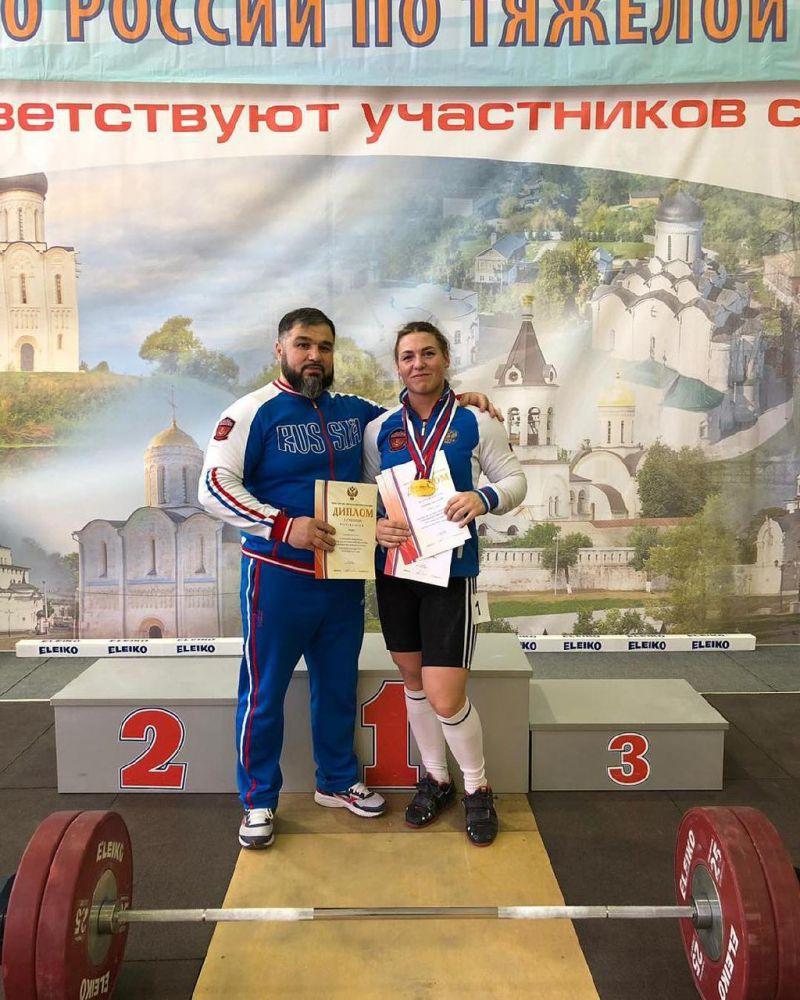 Анастасия Анзорова стала победительницей юниорского первенства России по тяжелой атлетике
