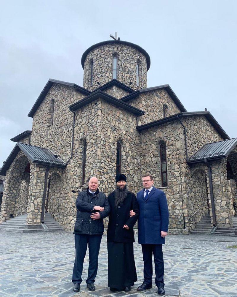 Министру по делам Северного Кавказа рассказали об истории  основания мужского монастыря в Куртатинском ущелье