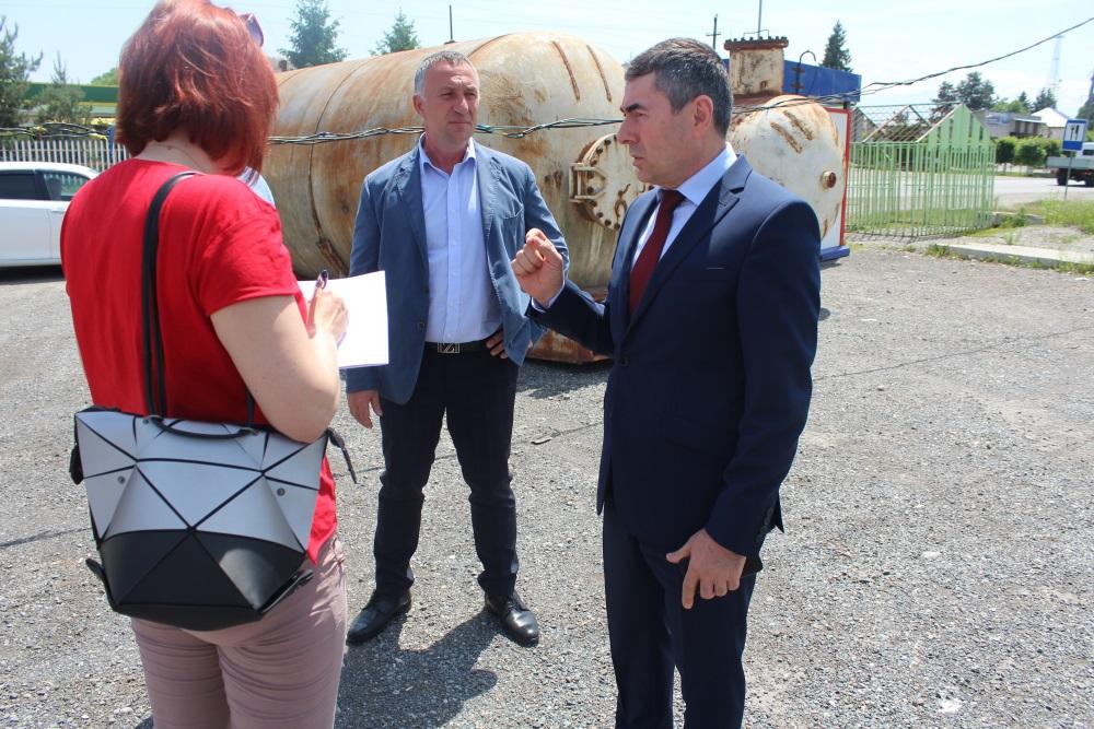Проверка санитарного состояния придорожной полосы состоялась в Ардонском районе
