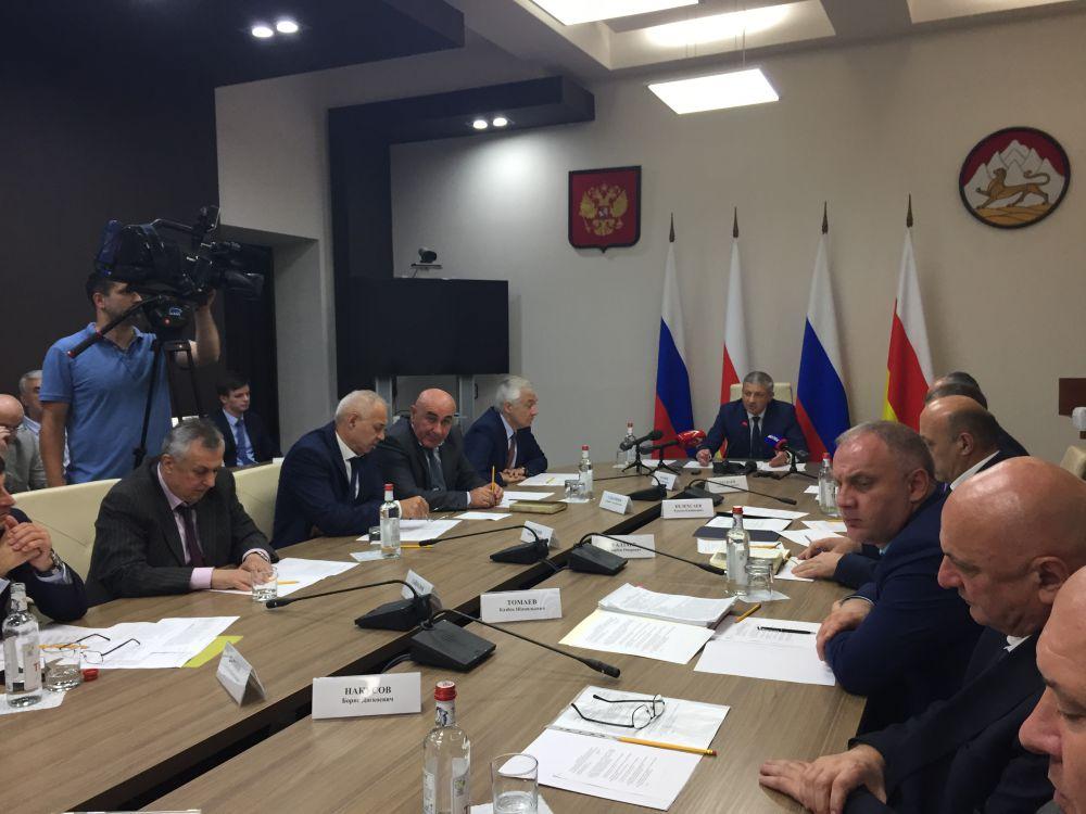 У Битарова появятся общественные помощники в каждом районе