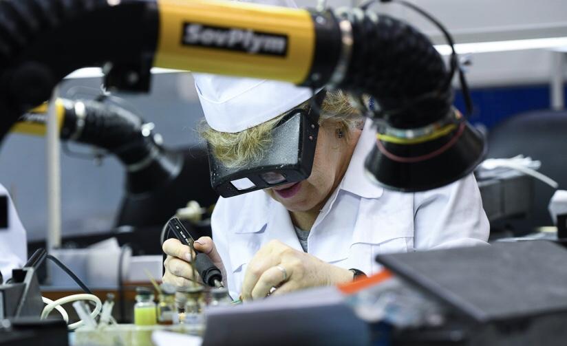 Завода «Заря Осетии» запускает в производство прибор, способный убивать вирусы в помещении и обеззараживать воздух