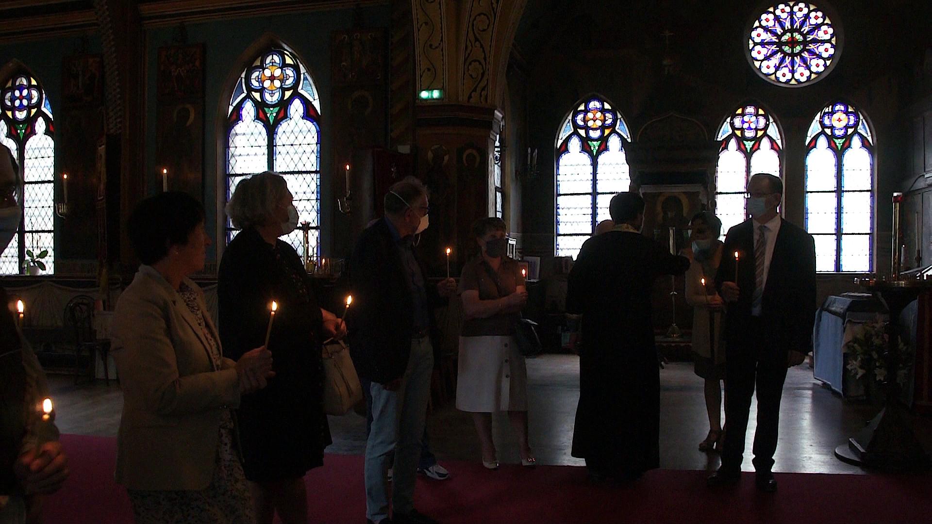 Во Франции в приходе Святого Сергия прошла панихида по жертвам теракта в Беслане